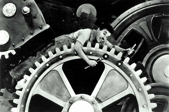 """Entreprise libérée : le film """"Les temps modernes"""" de Chaplin dénonce l'organisation ultra-rationaliste taylorienne du travail"""